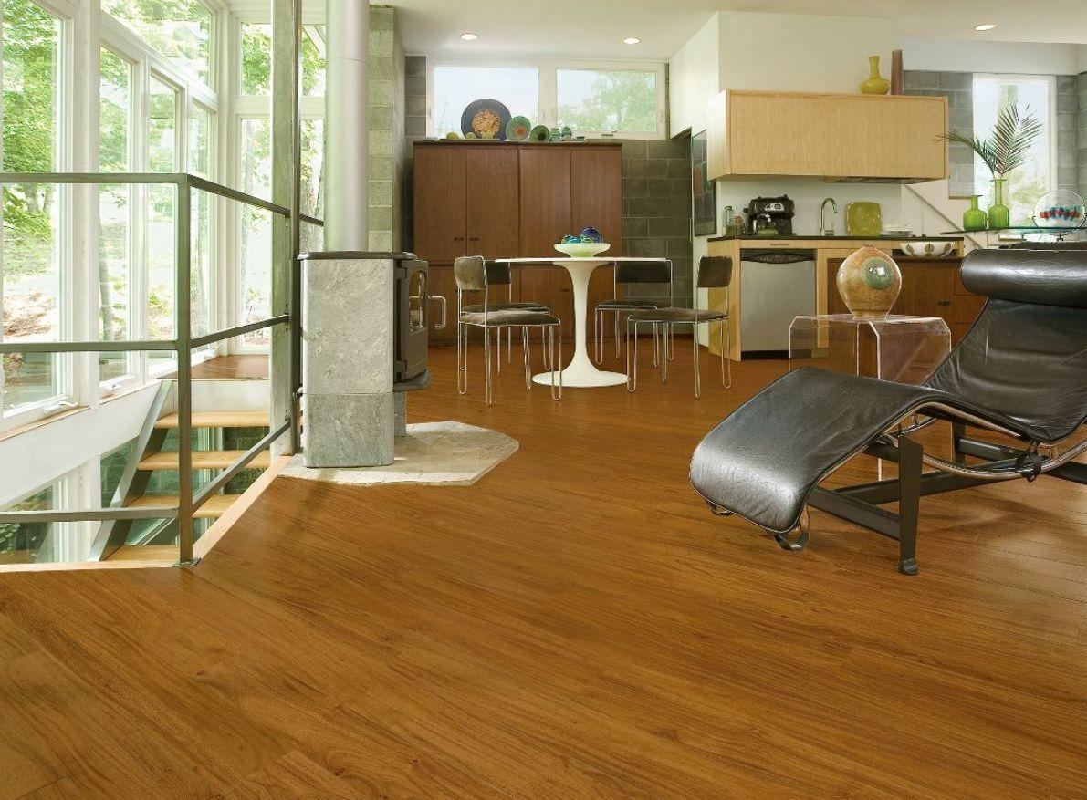 Luxury vinyl plank flooring that looks like wood dailygadgetfo Gallery