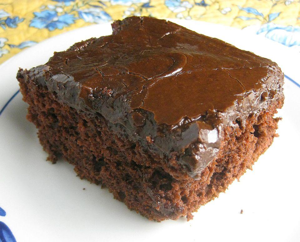 Chocolate-Cherry-Cake.jpg