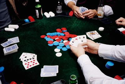 What Does Limp Mean In Poker