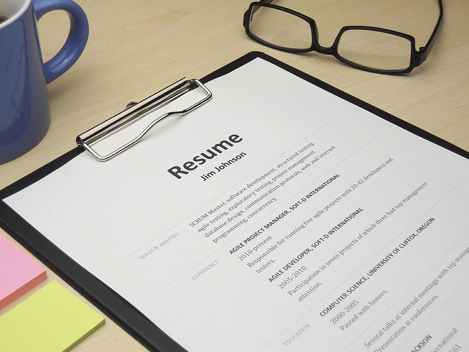 define chronological resumes