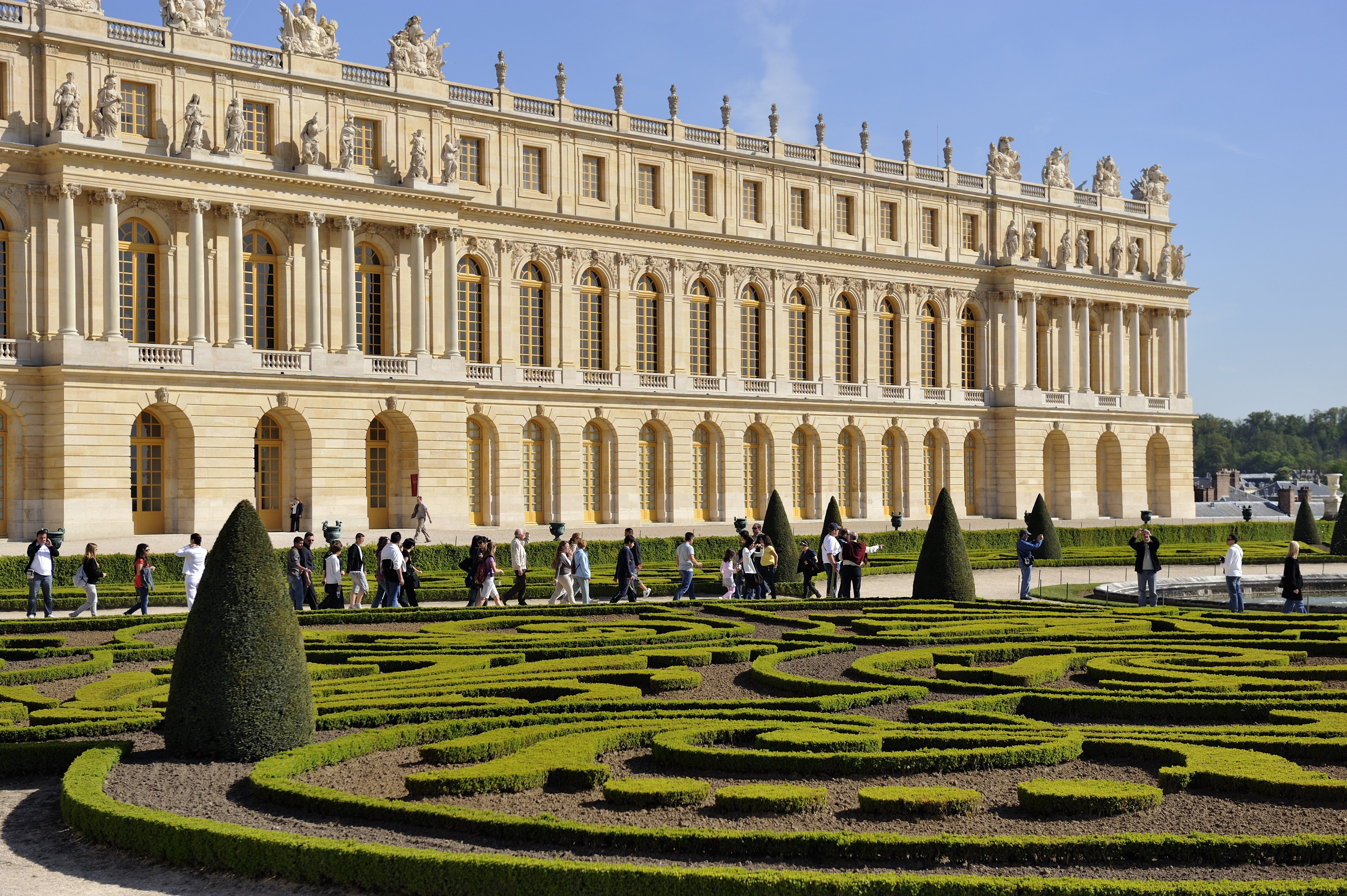 What Does A Baroque Building Look Like