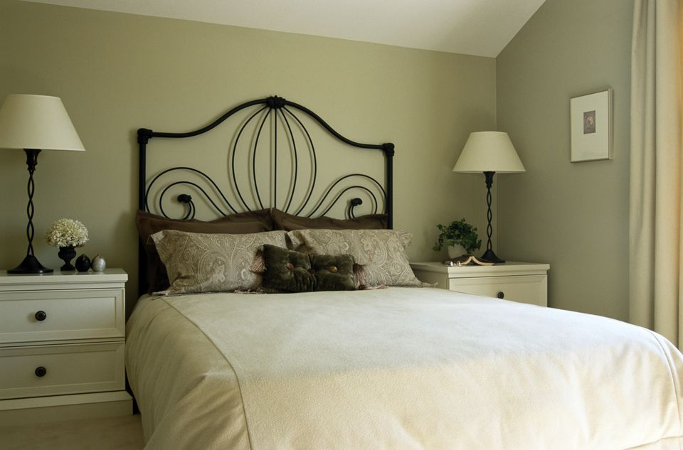 Good lighting is a must in the bedroom. How to Decorate a Relaxing Bedroom
