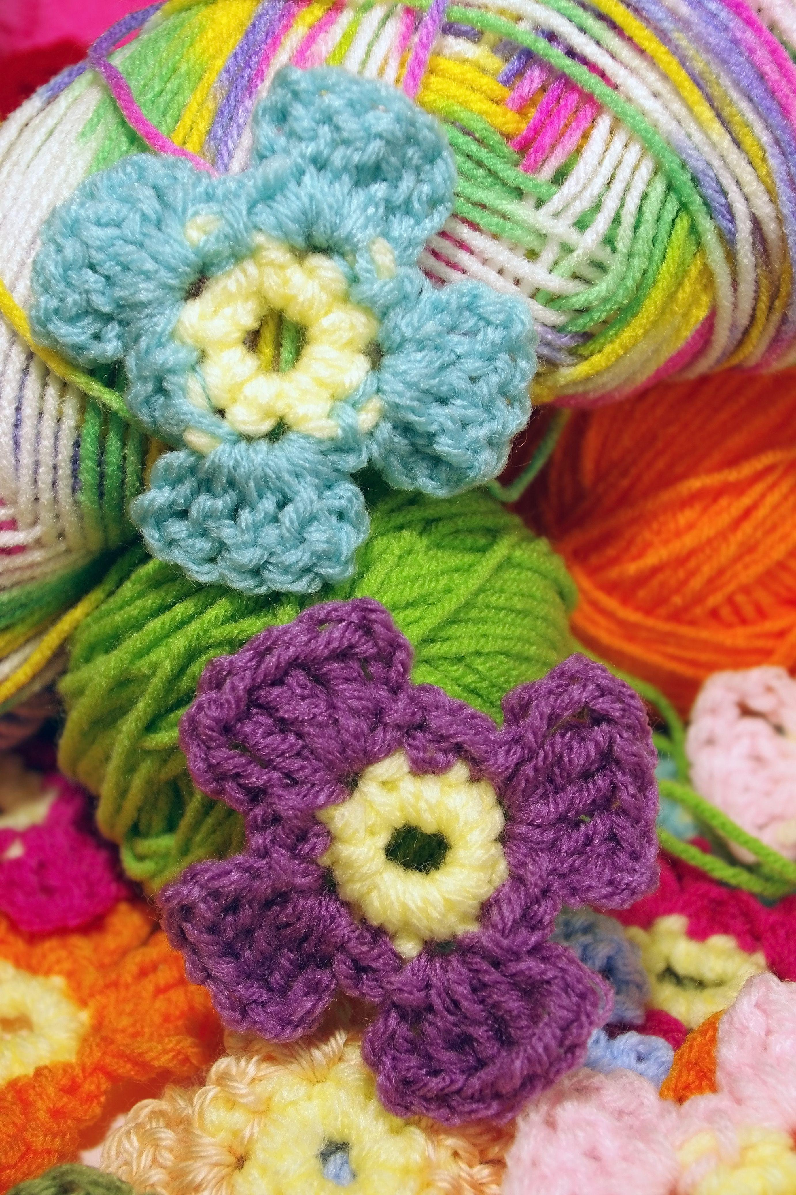 Easy crochet flower patterns make a crochet flower a super simple pattern bankloansurffo Gallery