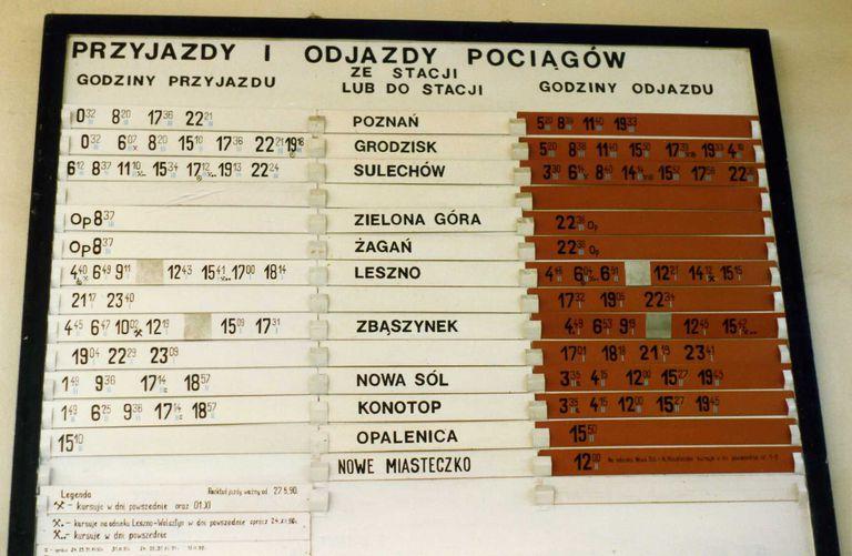 Wolsztyn arrivals and departures- Godziny Przyjazdu i Odjazdu May 1991