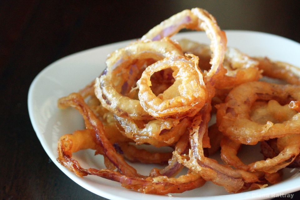 Crispy Fried Onion Rings With Cornmeal
