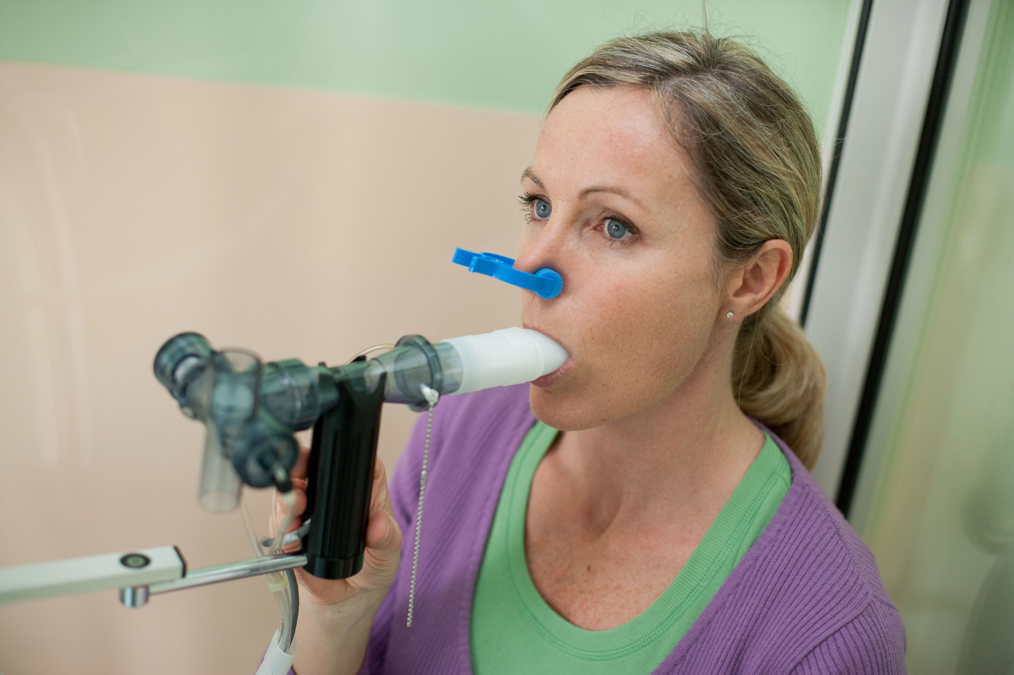 spirometry Overview spirometry (spy-rom-uh-tree) is a common office test used to assess how well your lungs work by measuring how much air you inhale, how much you exhale and how quickly you exhale.