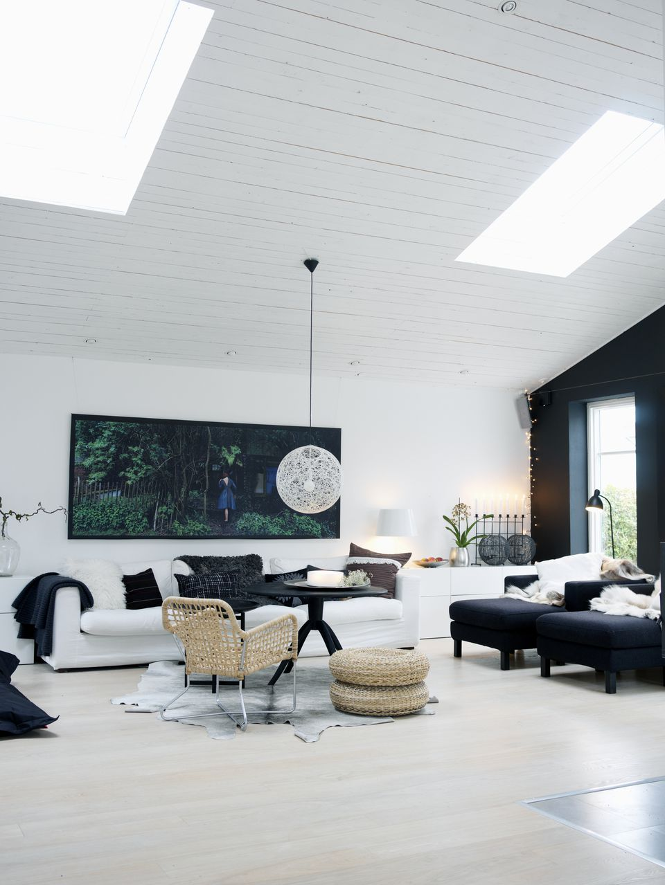 Decorate Your House With the Color Black for Good Feng Shui