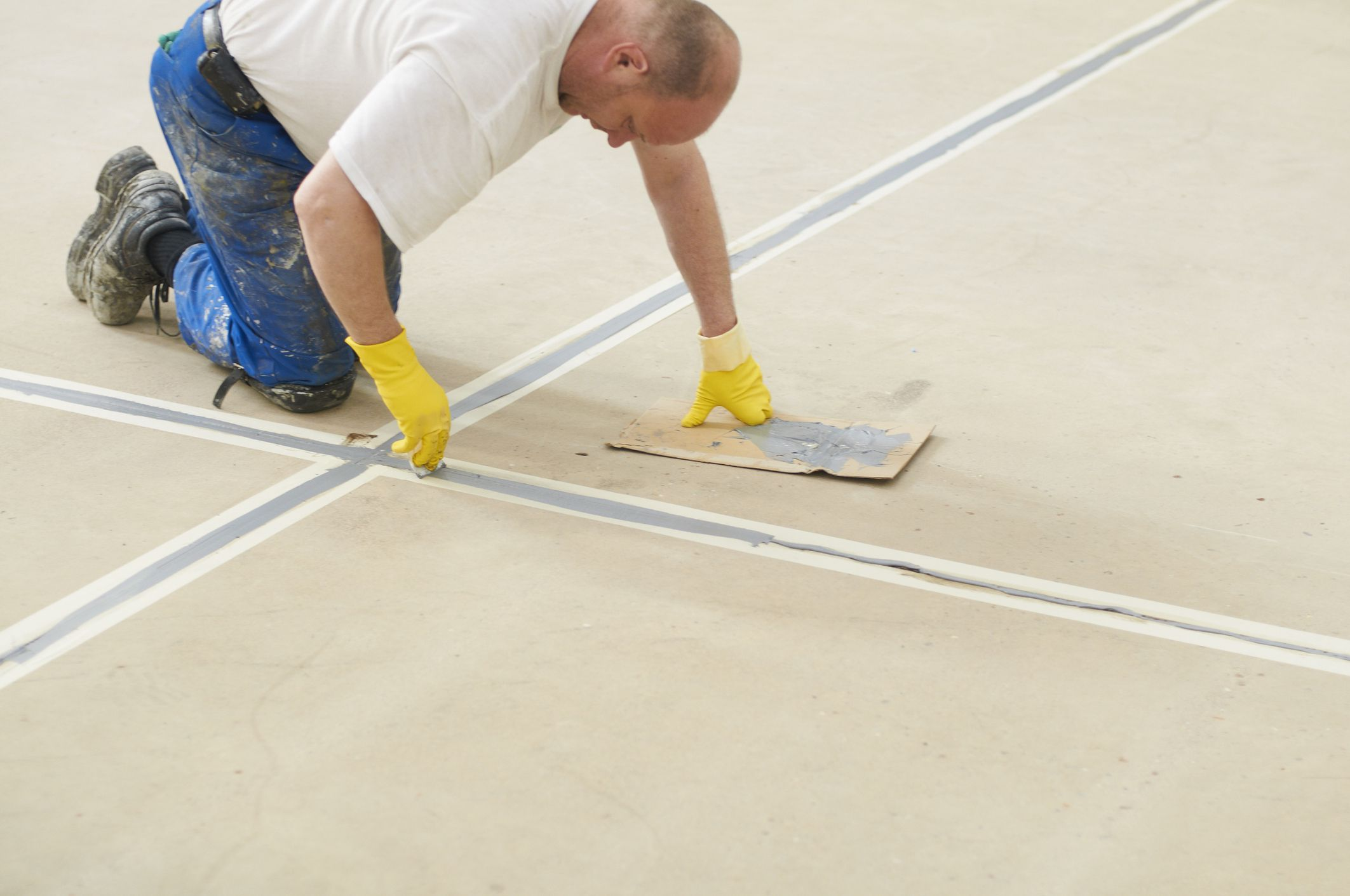 How to Apply Garage Floor Paint Like a Pro