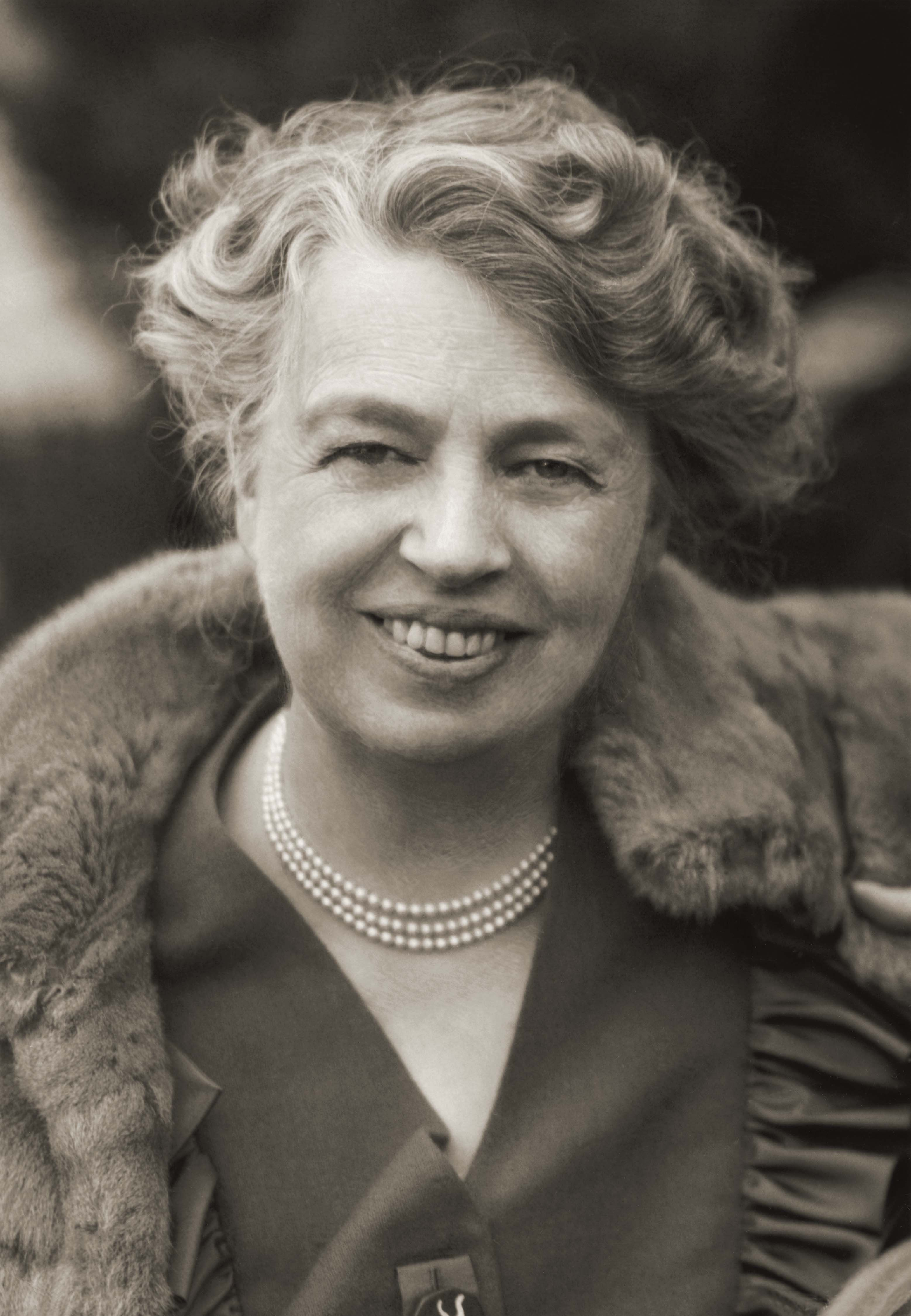 the life of 32nd first lady of america anna eleanor roosevelt Through years of letters, the one-woman play 'a love story' makes a point of putting lorena hickok and eleanor roosevelt's affairs in order.