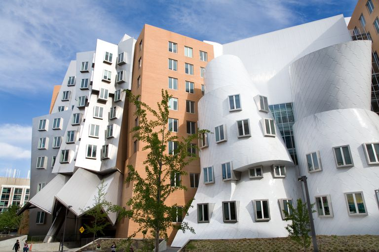 life and work of frank gehrys Other books by paul goldberger: yale in new haven: architecture & urbanism mediterranean color building art: the life and work of frank gehry © 2018 paul goldberger building art: the life and work of frank gehry © 2018 paul goldberger.