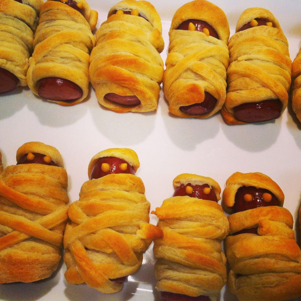 Mummy Hot Dogs, Halloween pigs in a blanket