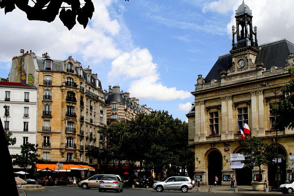 Place Gambetta is the bustling center of the Pere-Lachaise/Gambetta neighborhood.