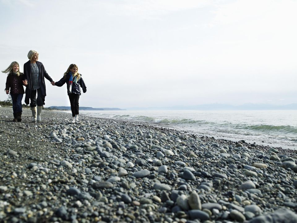 Deception Pass State Park, holding hands, family