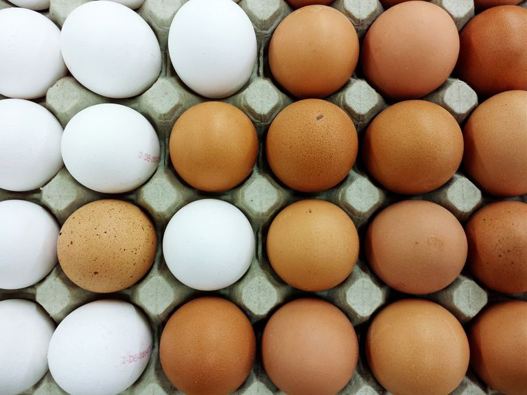 Full Frame Shot Of Eggs In Crate