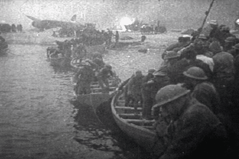 British forces leaving Dunkirk