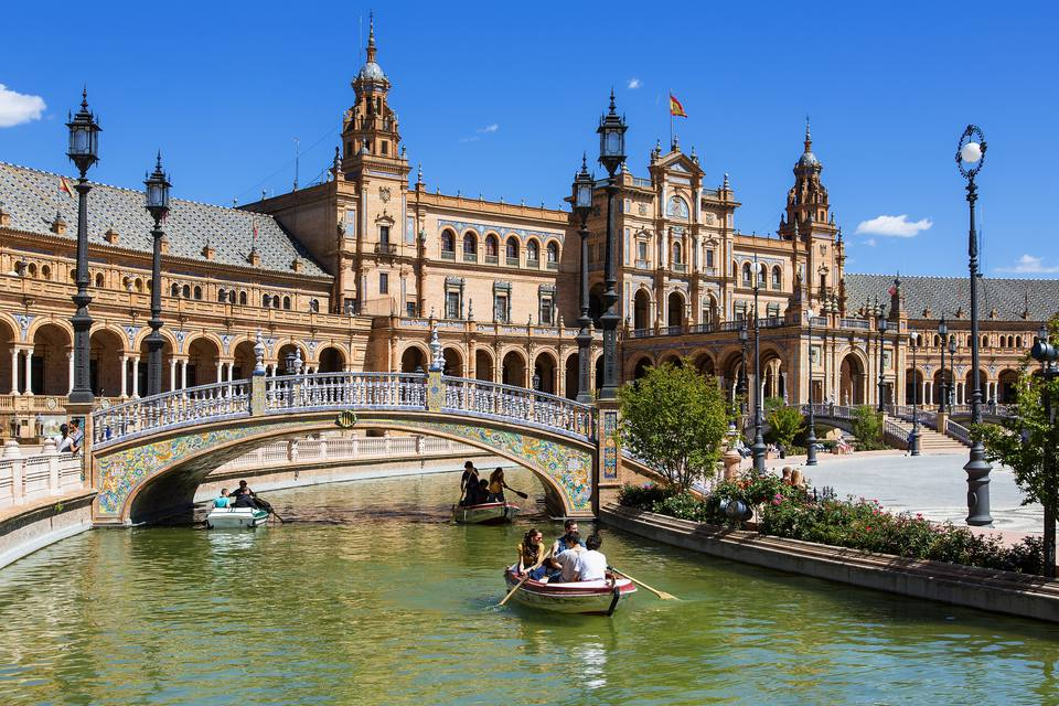 How to get from madrid to seville for Hotel calle sevilla madrid