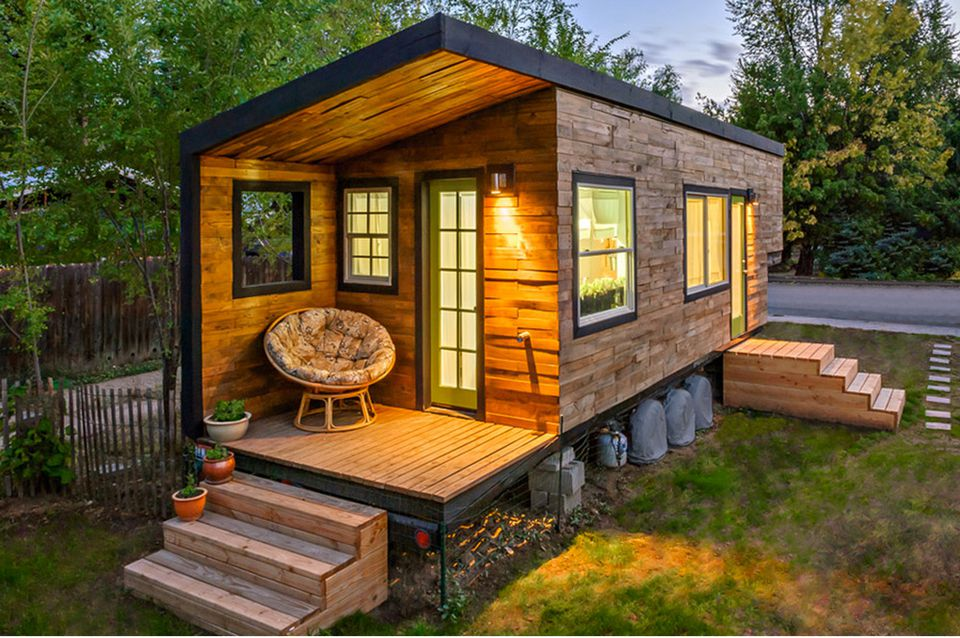 Five tiny houses you can build for less 12 000 for Mini mansions houses