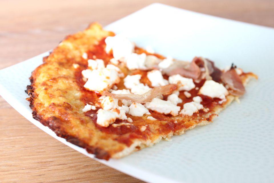 Cauliflower-Crust-Pizza1500.jpg