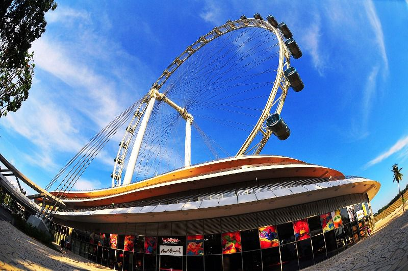 A Look at the Singapore Flyer, Inside and Out - image courtesy of the Singapore Tourism Board.