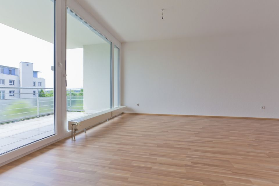 It 39 s easy and fast to install plank vinyl flooring - The basics of laying laminate flooring ...