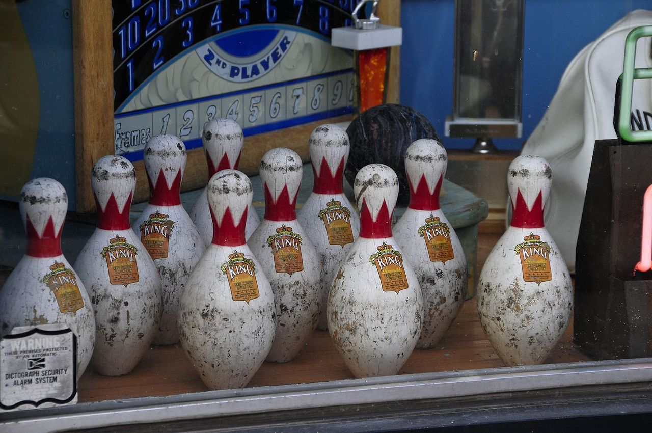duckpin bowling rules I've searched for duckpin bowling and get links to plain old bowling alleys, not anything duckpin specific anybody got real-world info on where.