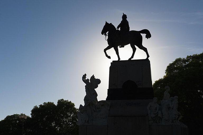 Equestrian statue, Buenos Aires