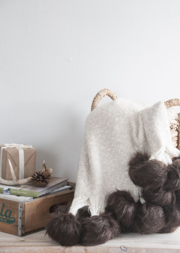 DIY Luxurious Fur Pom Pom Throw