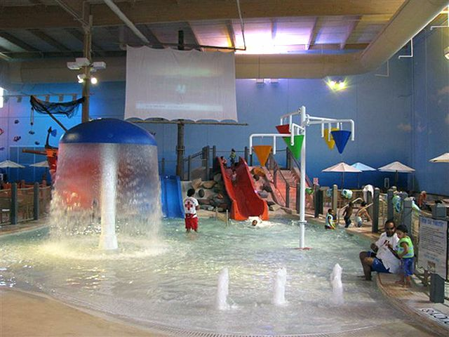 Splash Cincinnati Water Resort Ohio Indoor Water Park