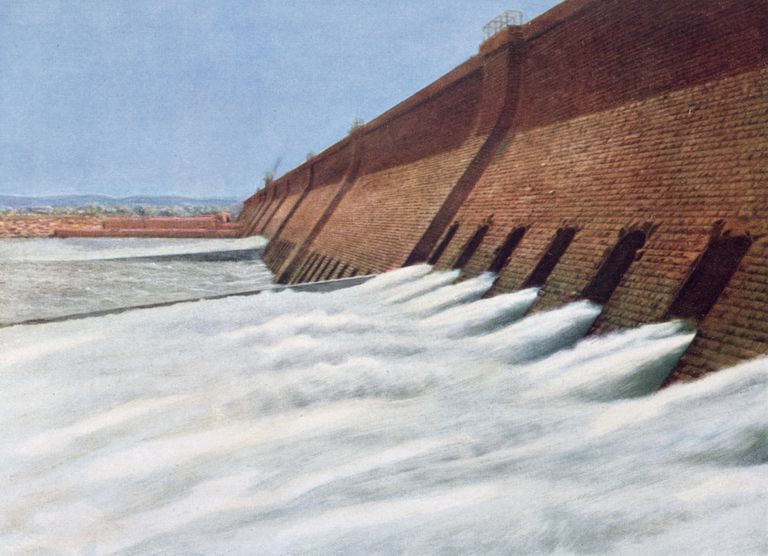 Aswan Dam, Egypt, 20th century.