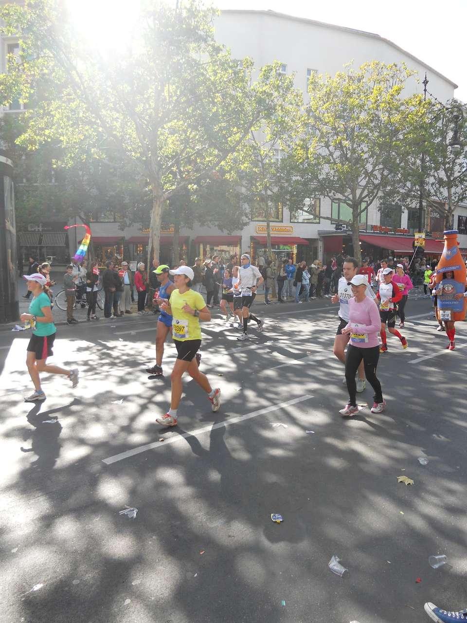 Berlin Marathon Kudamm.JPG