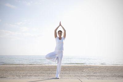 posturas de yoga para el chakra del corazón anahata
