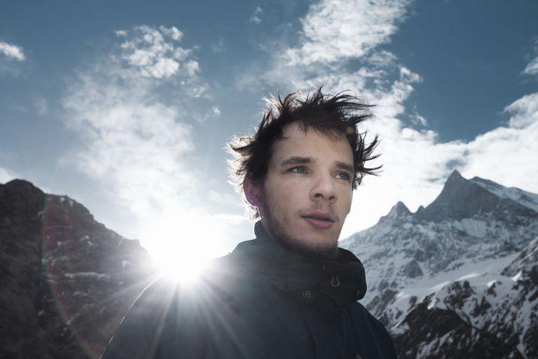 adventure-mountain-guy-picturegarden.jpg