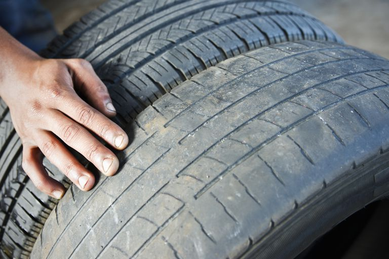 comparing tire wear on two tires