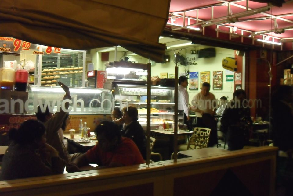 Nighttime diners at Sandwich.com, Miraflores.