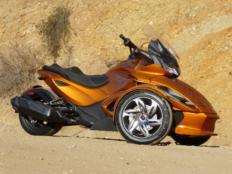 2014 Can-Am Spyder ST-S Review