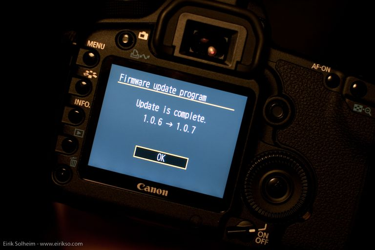 Photo of a Canon 5D Mark II Firmware Update Info Screen
