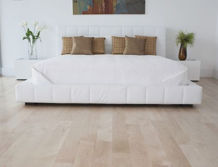 Hardwood Bedroom Flooring: Advantages and Disadvantages