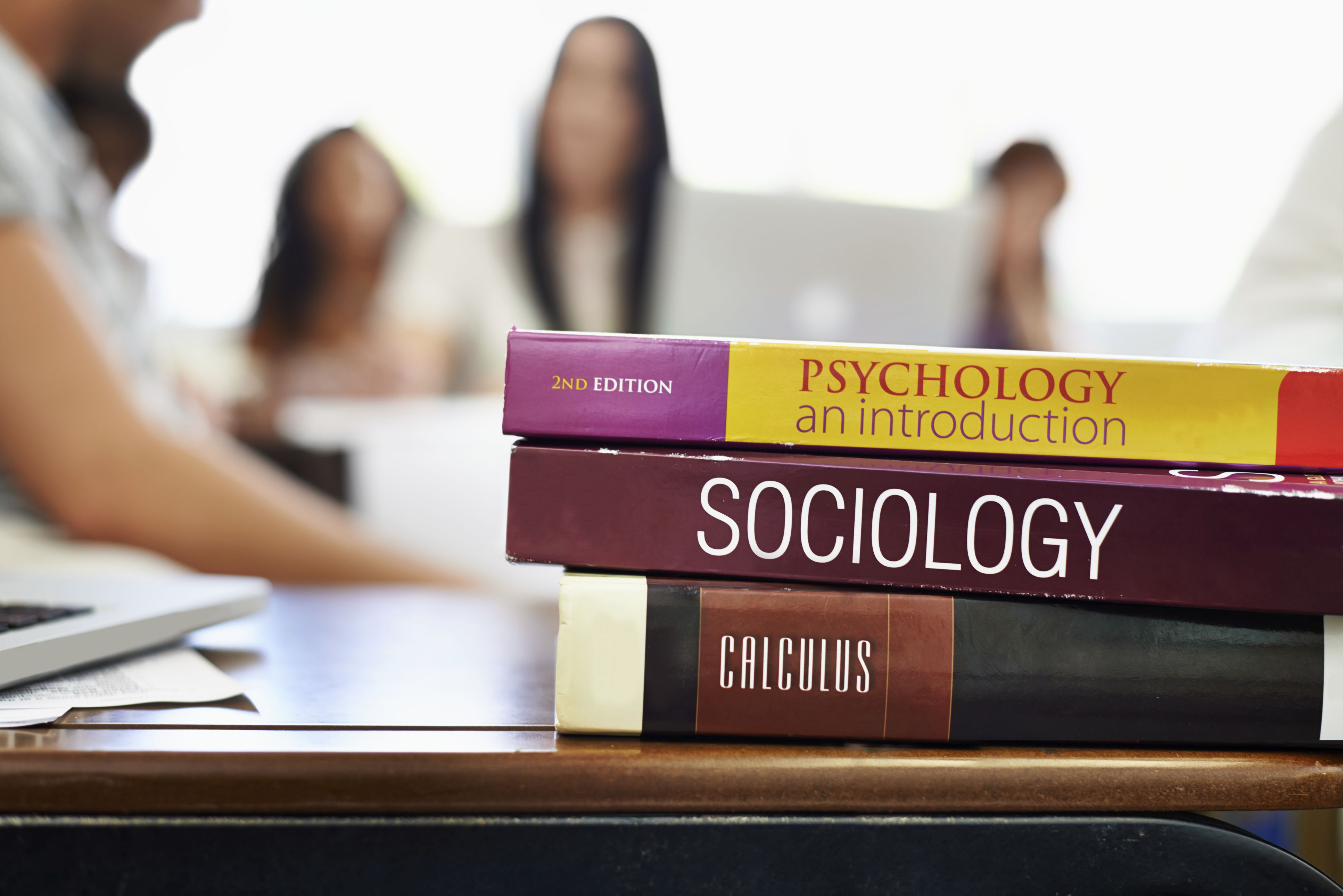 colleges for psychology majors As a future psychologist, students need lots of hands-on experience during their undergraduate years, clinical psychology majors can expect to participate in psychological studies and research.