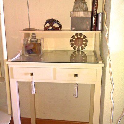 C mo lacar muebles en blanco o en otro color for Pintar mueble barnizado