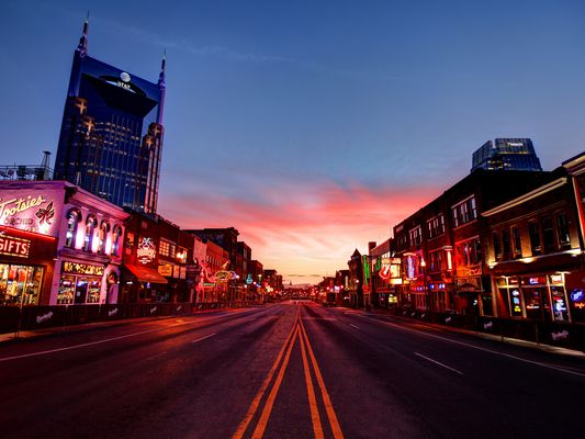 Nashville, Tennessee at sunset.