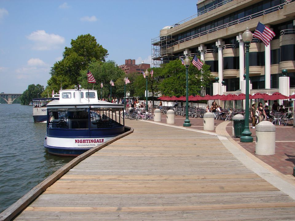 Capitol-River-Cruise.jpg