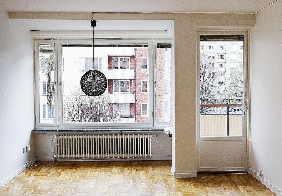 empty studio apartments.  Apartment Renting Studio vs One Bedroom