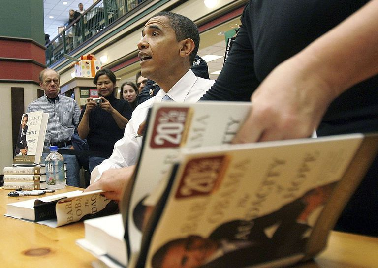U.S. Sen. Barack Obama (D-IL) signs a copy of his new book 'Audacity of Hope' at the Barnes & Noble bookstore October 18, 2006 in Skokie, Illinois. Obama is in the midst of a book tour that will include television appearances as well as signings. According to reports, Obama is concidering a run in the 2008 presidencial election. According to reports, Obama is considering a run in the 2008 presidential election.