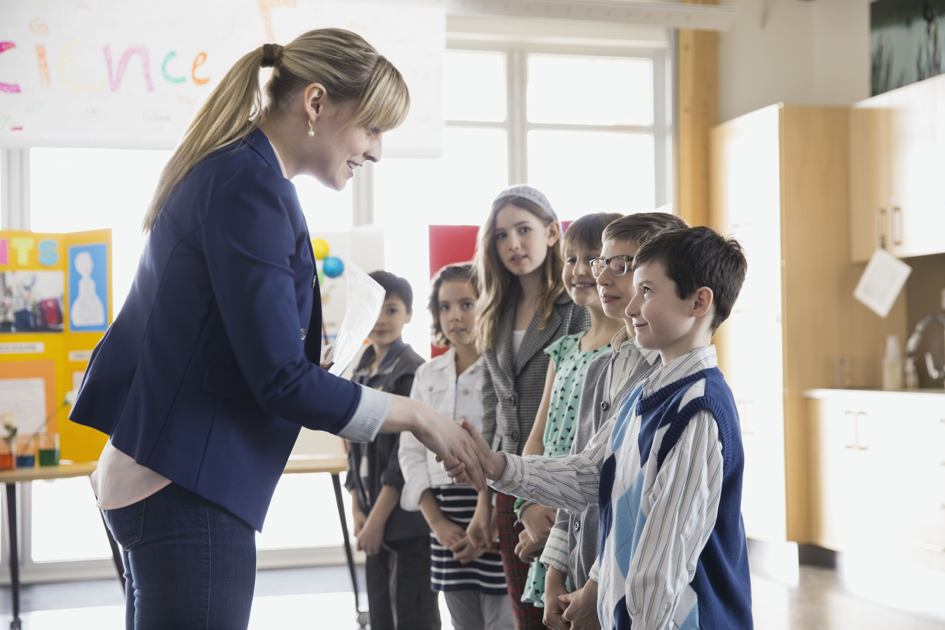 Elementary Classroom Students : Ice breakers for the first day of elementary school
