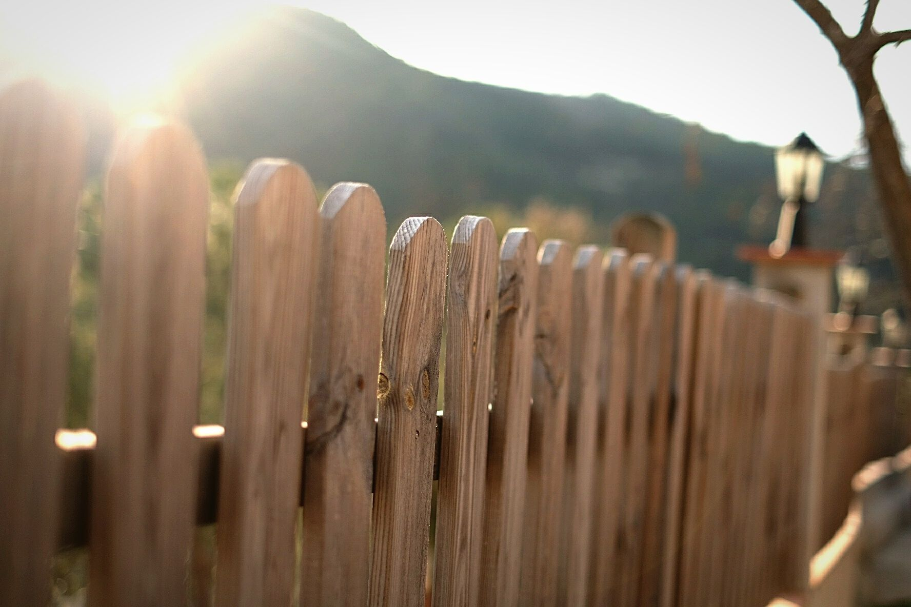 what to expect when a fence pany builds your fence