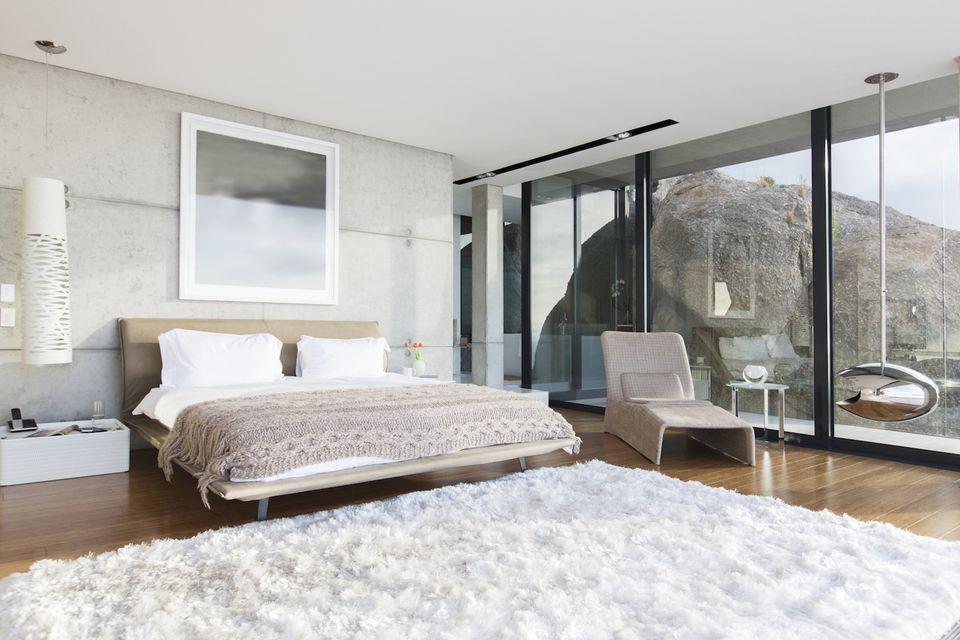 Bedroom home staging tips