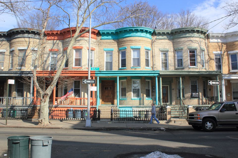 hispanic singles in woodhaven Homes include single family houses as well as apartment and condominium units  age of queens, ny (union tpke / woodhaven blvd) homes  asian and hispanic .