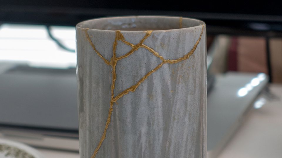 The Japanese art of Kintsugi and how to master it