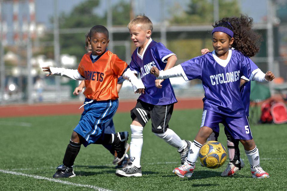 kids-playing-soccer-3415x2268.jpg