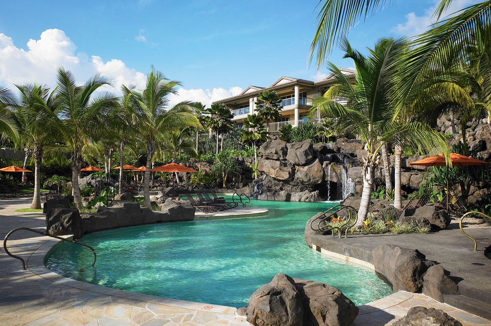 Best resorts with lazy rivers in the usa and caribbean for Nicest hotels in maui
